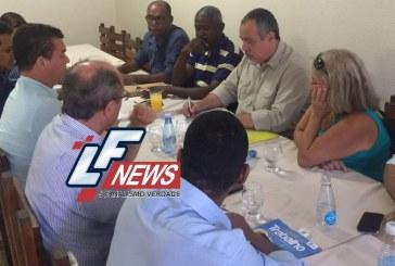 Nada definido: coligações partidárias ainda em negociação em Lauro de Freitas