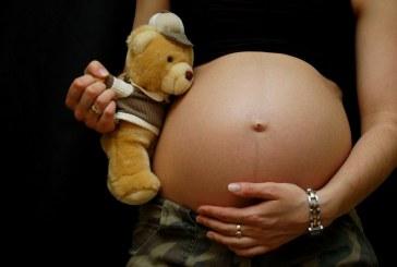 Mulher esfaqueia a própria barriga e mata feto de sete meses