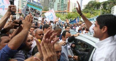 """Neto ironiza campanha da oposição: """"Precisa de Waze pra chegar na periferia"""""""