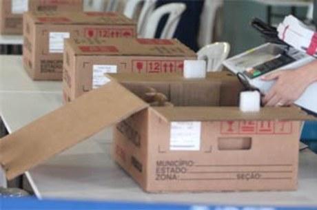 Justiça Eleitoral baiana encerra carga e lacração de urnas