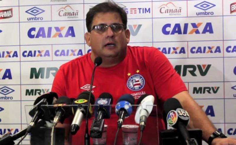 Guto comemora goleada do Bahia e defende Hernane das vaias