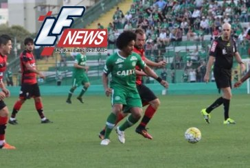 Vitória atropela Chapecoense e respira no Brasileirão