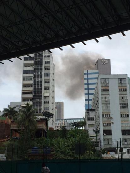 Assista: Hospital Português pega fogo na manhã deste sábado
