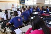 Com medo da reforma da previdência, 4 mil professores pedem aposentadoria na Bahia