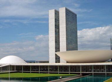 Deputados preparam proposta que regulamenta supersalários no funcionalismo