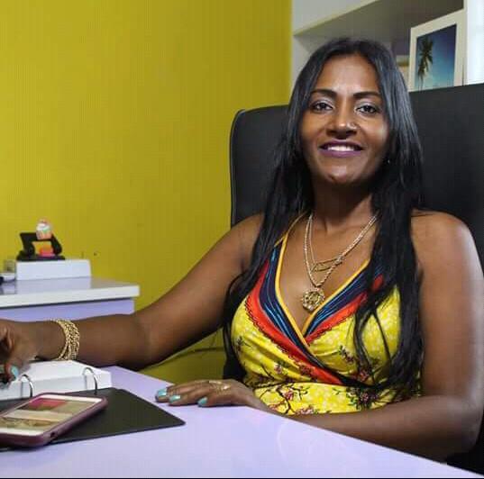 Professora Angélica abre sua vida, fala sobre o racismo, intolerância, empreendedorismo, educação e política