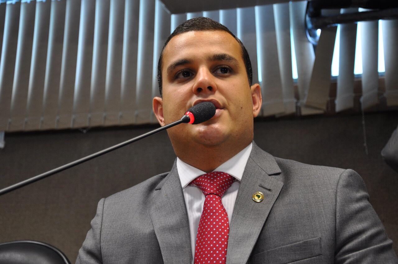 Couto Maia: Deputado diz que prefeitura persegue o Governo do Estado