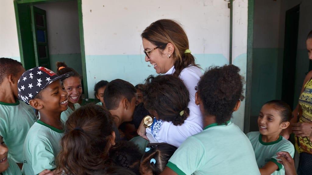 Edylene Ferreira enaltece o dia do estudante em visita a escola comunitária e defende melhorias na educação pública da creche ao ensino superior