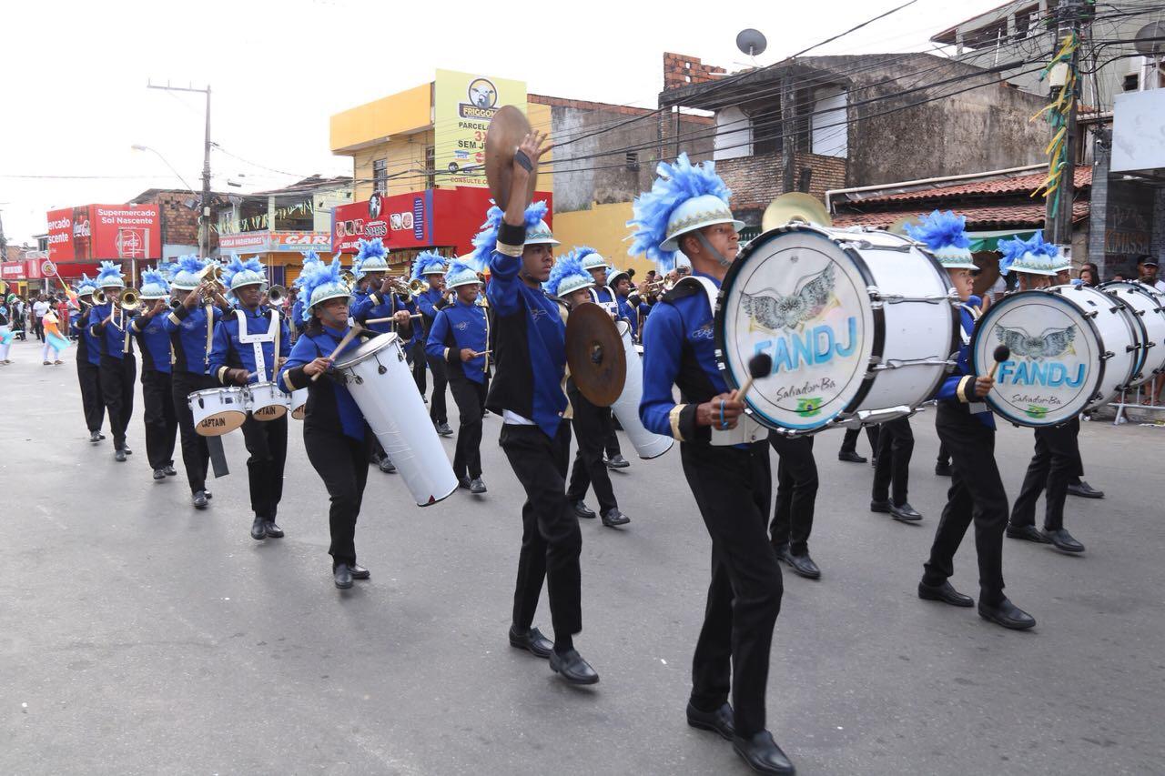 Concurso confirma tradição de bandas e fanfarras estudantis em Lauro de Freitas