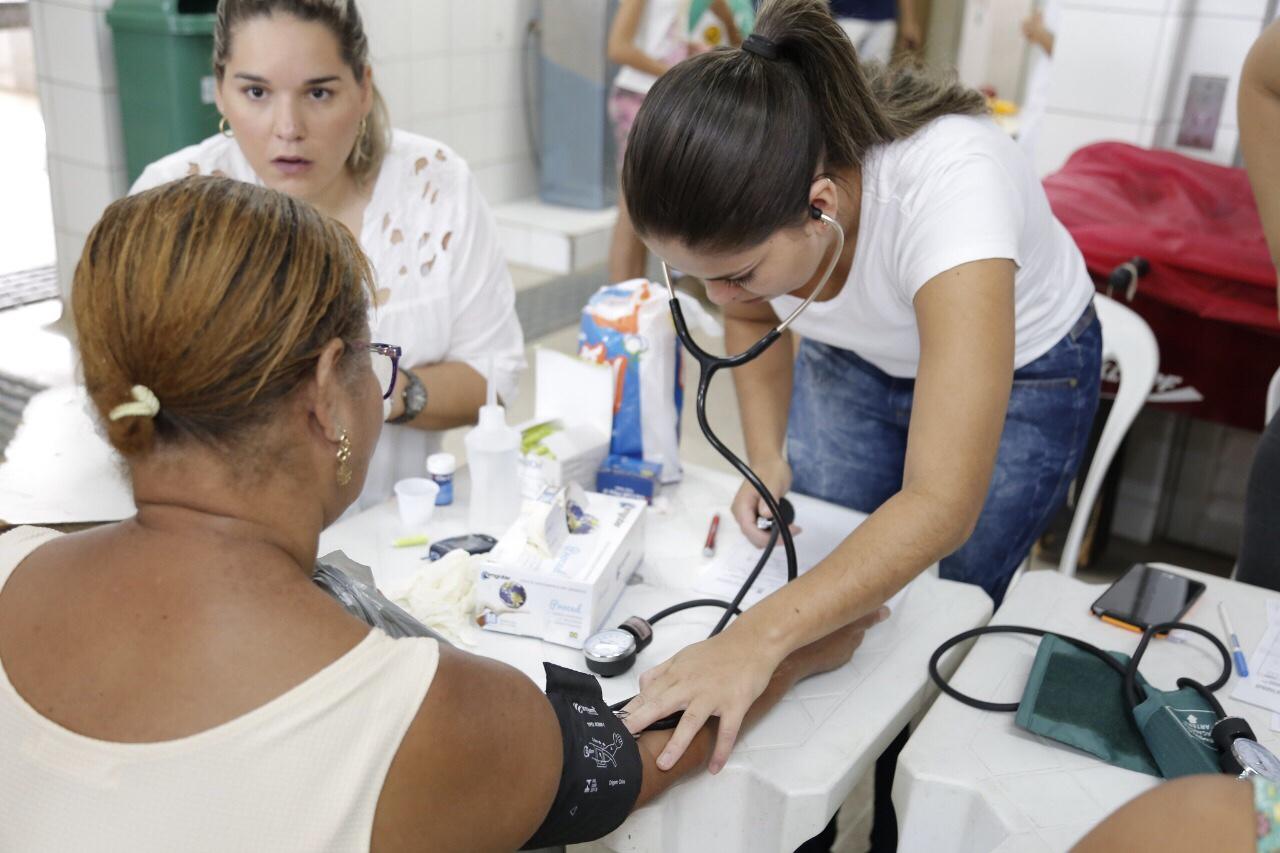 Prefeitura levou serviços de saúde para moradores do Jardim Ipitanga