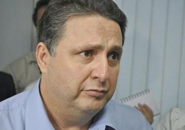 'Tá de brincadeira' TSE concede liminar e Garotinho está de volta às eleições