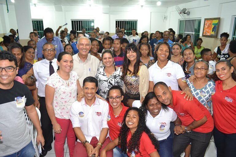 Pastor Birne apresenta Mirela como sua candidata a deputada estadual