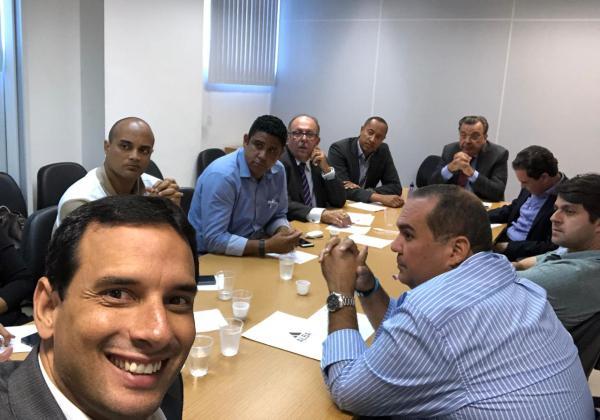 'Nova oposição' na Alba faz primeiro encontro para discutir legislatura 2019