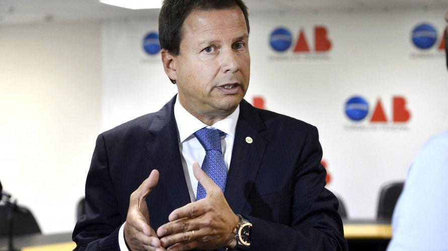 TSE e OAB repudiam declaração de filho de Bolsonaro. Para Lamachia é obrigação do Estado defender o STF