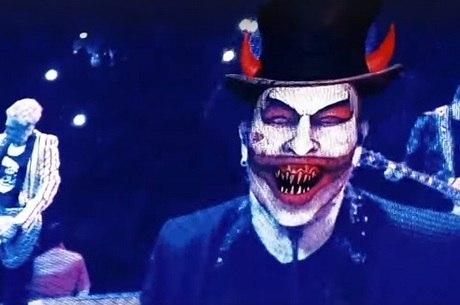 Vocalista do U2 compara Bolsonaro ao demônio e vira alvo de críticas