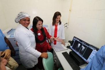 Prefeitura lança campanha de mamografia e entrega Raio X ao Hospital Jorge Novis