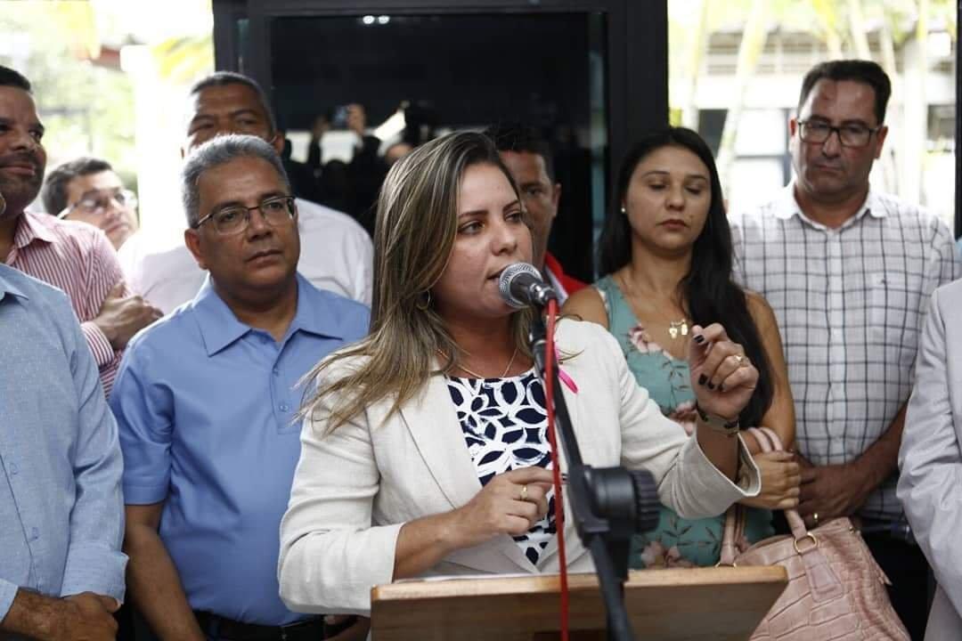 Deputada Mirela participa de inauguração do Ponto SAC em Itamaraju