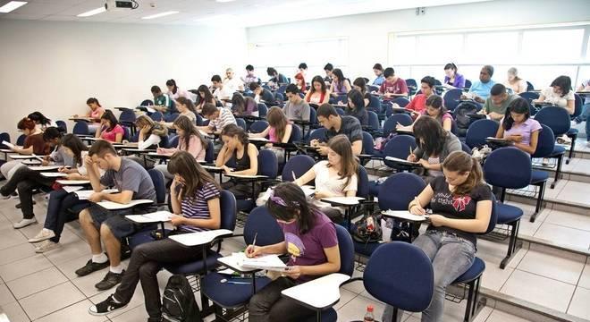Enade é obrigatório para estudantes que estão concluindo a graduação