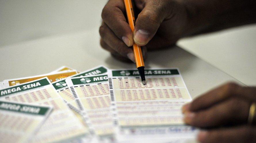 Mega-Sena pode pagar prêmio de R$ 27 milhões neste sábado