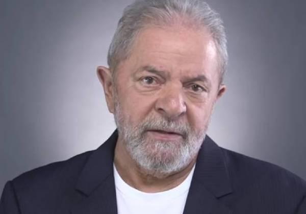 Preso desde abril, Lula começa a dar primeiros sinais de tristeza, diz coluna