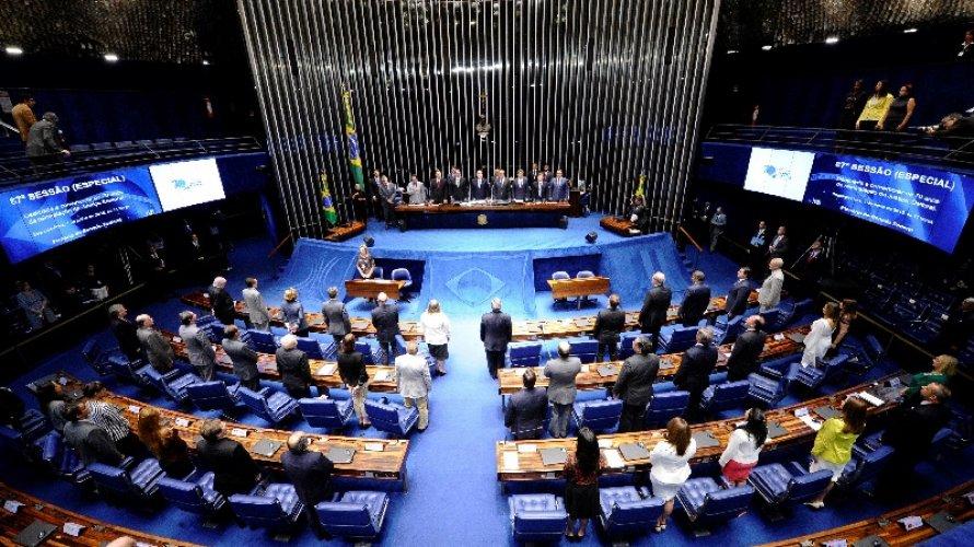 Sem alarde, senadores articulam votação da redução do alcance da Lei da Ficha Limpa