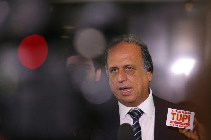 Pezão preso na Lava Jato por propina de R$ 39 milhões