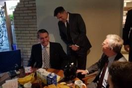 Conselheiro dos EUA se reúne com Bolsonaro
