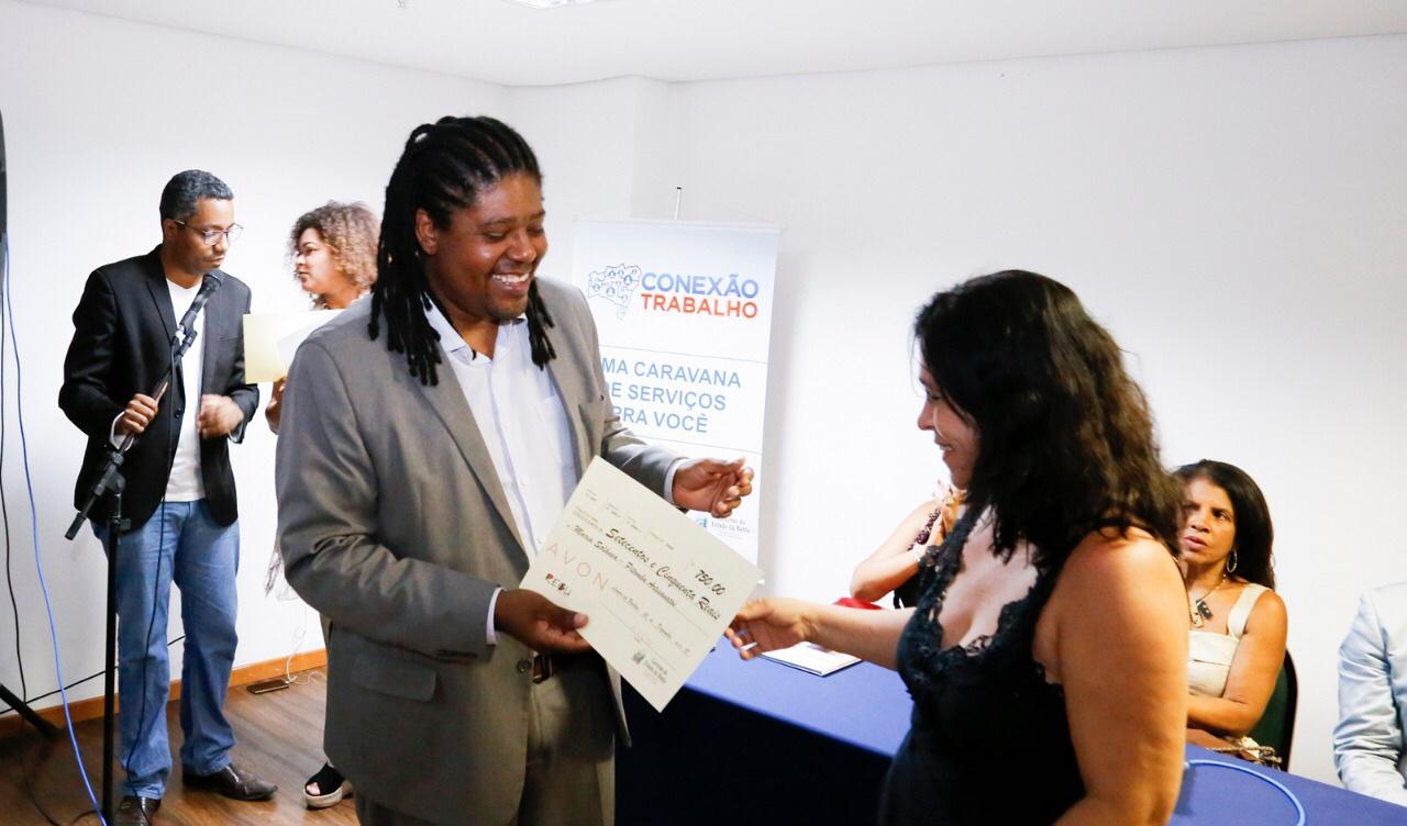 Empreendedoras são certificadas e premiadas em Lauro de Freitas
