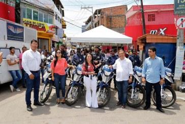 """Lauro de Freitas lança """"Operação Verão"""" com entrega de motocicletas à Guarda Municipal"""