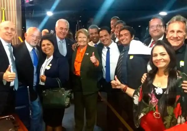 Moema e outros prefeitos baianos comemoraram garantia de recursos para municípios