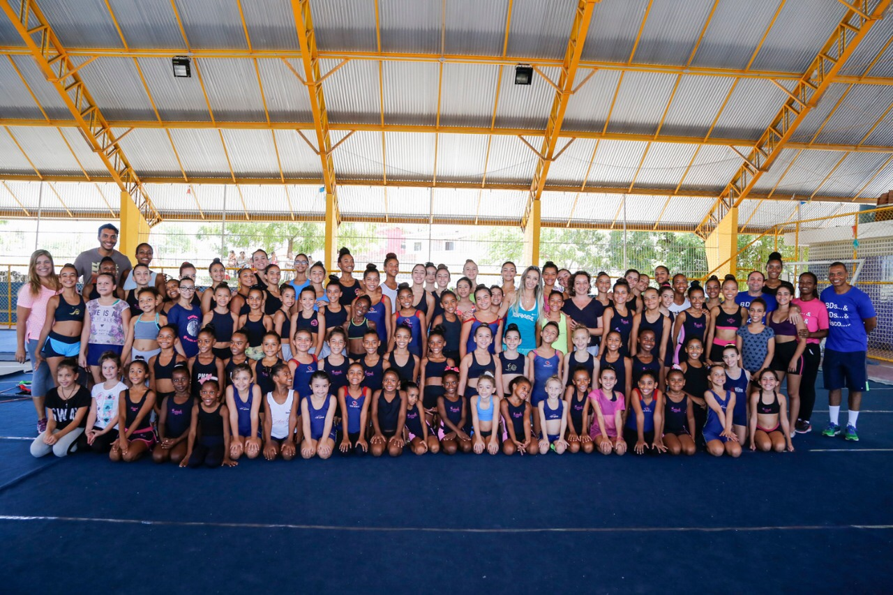 Clínica de Verão Internacional de Ginástica Rítmica reúne crianças e adolescentes de Lauro de Freitas