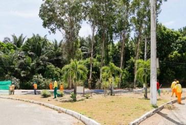 Primeiro mutirão do ano reforça limpeza no bairro Miragem em Lauro de Freitas