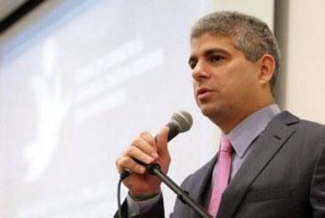 Secretário diz que corregedoria vai apurar atuação policial em caso de discriminação racial na Caixa