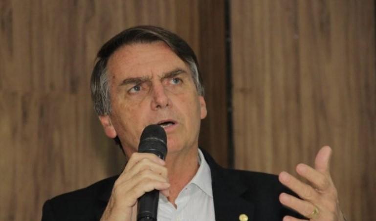 Bolsonaro volta a nomear ministro do Turismo envolvido em supostas irregularidades