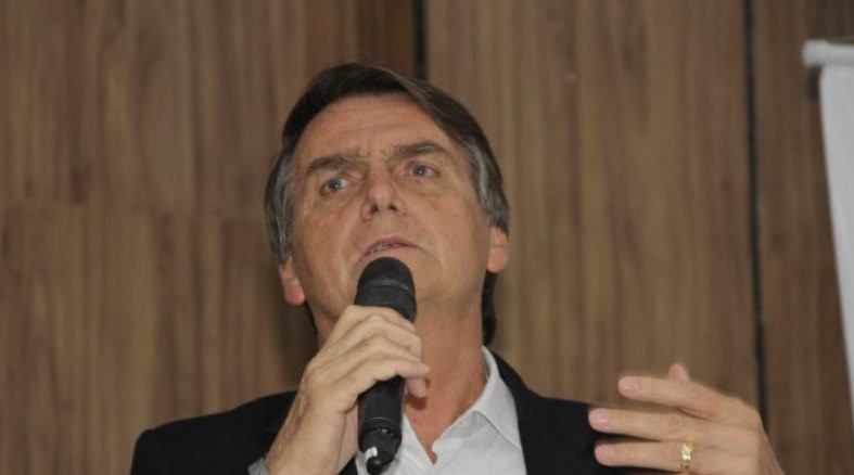 Partido de Bolsonaro criou candidata laranja para usar verba pública de R$ 400 mil, diz jornal