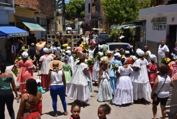 Lavagem da Lagoa dos Patos une tradição de bairros em Lauro de Freitas