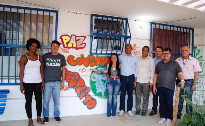 Moema recebe a visita do secretário de educação de Rui Costa e solicita mais escolas de ensino médio no município