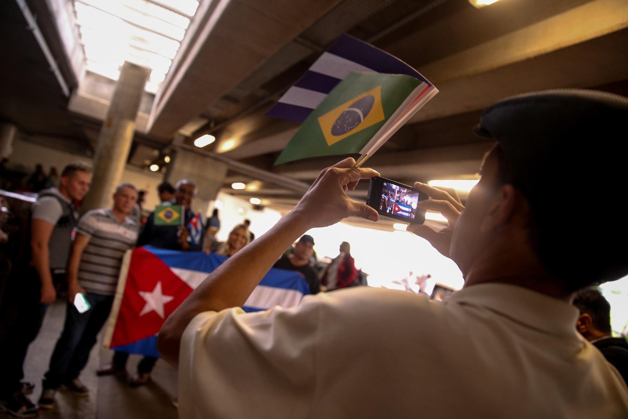 Governo avança em reestruturação e estuda rebatizar Mais Médicos de Médicos pelo Brasil