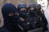 Depois de 2h de negociação homem se entrega e libera refém em Portão
