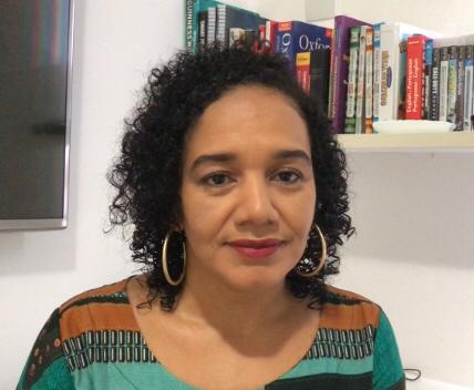 Educadora da rede municipal debate no Canadá projeto pedagógico aplicado em escola de Lauro de Freitas