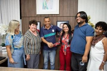Piso salarial do professor tem aumento de 4,20 % em Lauro de Freitas. Reajuste é acima do índice nacional