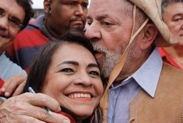 Dia do Trabalhador e o servidor da Prefeitura de Lauro de Freitas, com o salário na conta. Parabéns, Moema