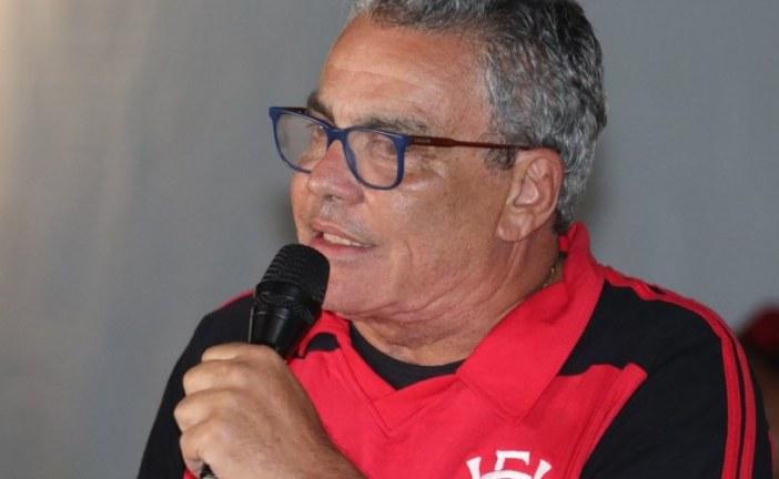 Paulo Carneiro proíbe apelidos no Vitória e pede colaboração da torcida