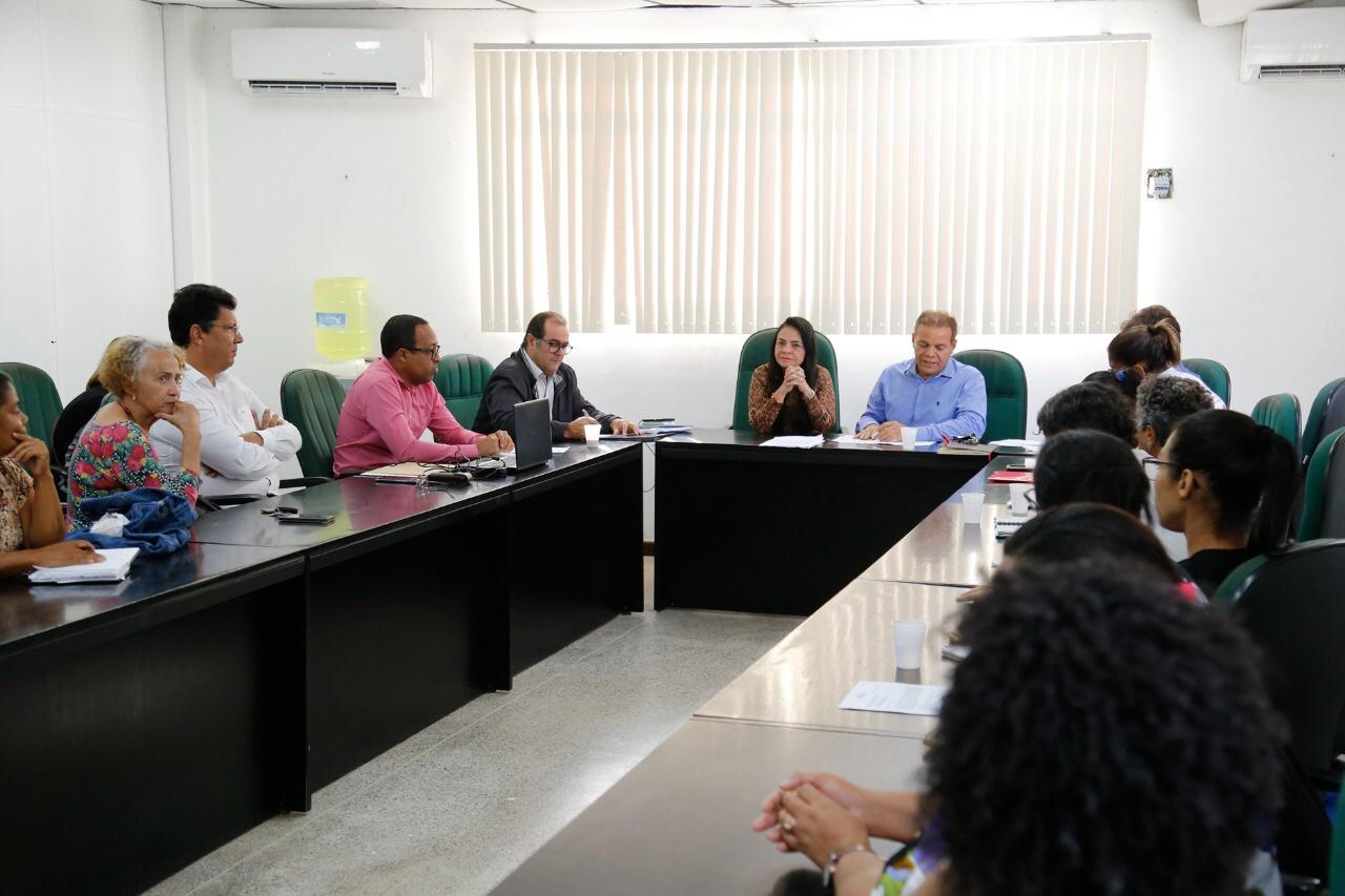 Prefeitura discute com sindicato demandas dos trabalhadores da saúde