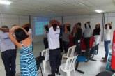 Fisioterapeutas estimulam servidores da Prefeitura de Lauro de Freitas a praticarem ginástica laboral