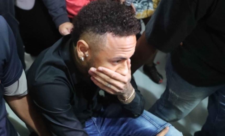 Que fase! Bens de Neymar são bloqueados pela Justiça