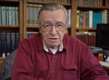 Olavo de Carvalho diz que ida de Eduardo Bolsonaro para embaixada é 'retrocesso'