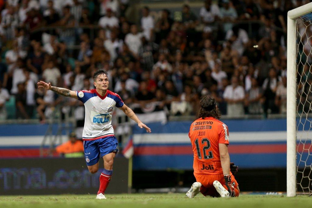 Buscando entrar no G-6, Bahia enfrenta o Corinthians na Arena Itaquera