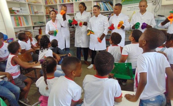 Alunos da escola Tenente Gustavo se divertem e aprendem com as práticas do  Programa Saúde na Escola