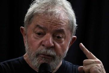 Lula questiona valor da multa de R$ 4,9 milhões e não pede semiaberto